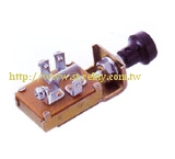 UNIVERSAL TYPE 2-WAY SWITCH  3 POSITION 4 TERMINAL